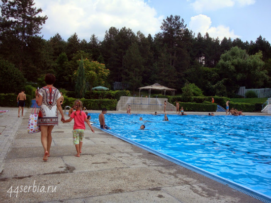 Заечар: открытый летний бассейн