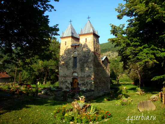 Церковь в селе Доня Каменица