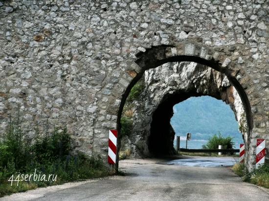 Проезд через крепость