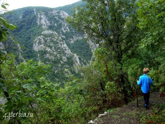 Тропа вдоль Лазарева каньона