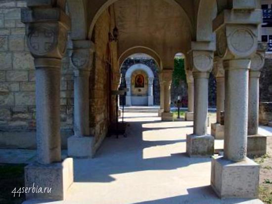 Монастырь Буково, вид на Священный источник