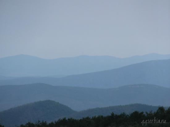 Утренние виды по пути к вершине горы Ртань