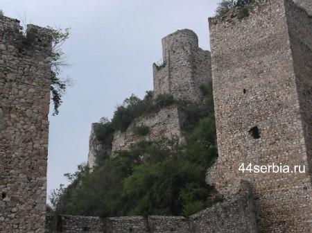 Голубачки град стены