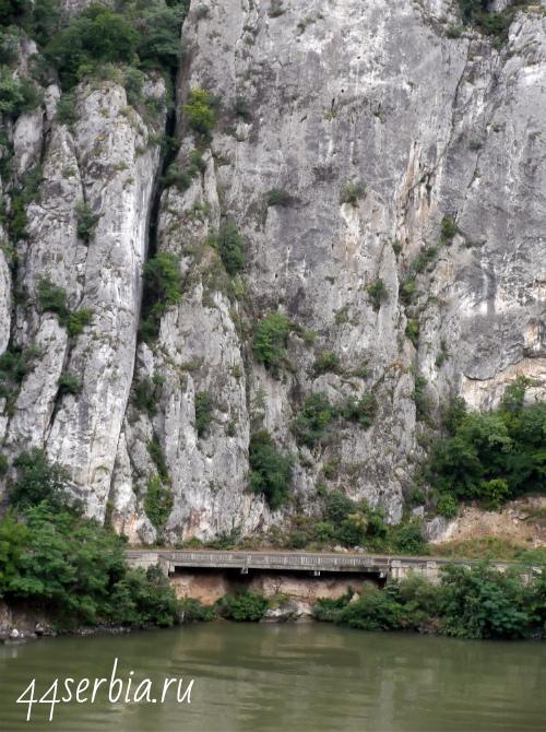 Дорога у Дуная