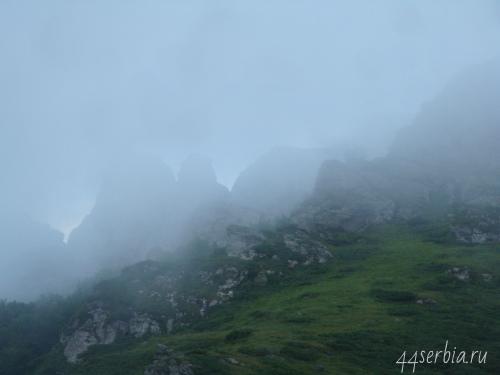 Сюрреалистические необычные горы Бабин Зуб