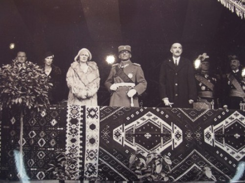Pirotski_cilim_Kralj_Aleksandar_11_Nov_1930_kral