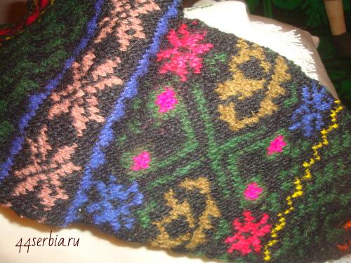 Носки с сербским традиционным орнаментом