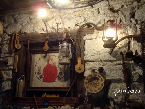 Старая вышитая икона Сербия