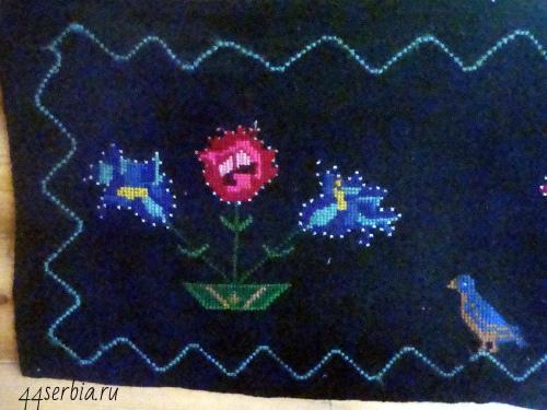 Вышивка на коврике