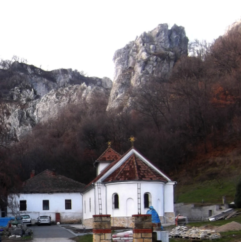 Монастырь_Вратна_зимой