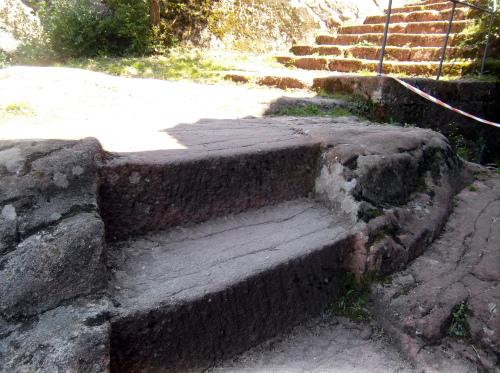 Крепость_Калето_каменные_лестницы_