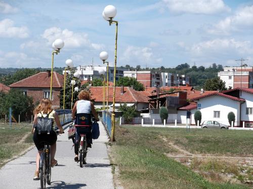 Велосипедисты у Синего моста
