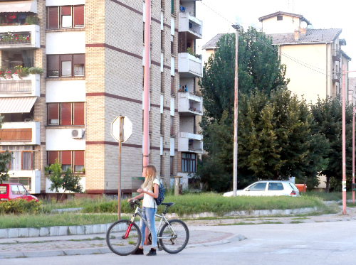 Велосипед и девушка
