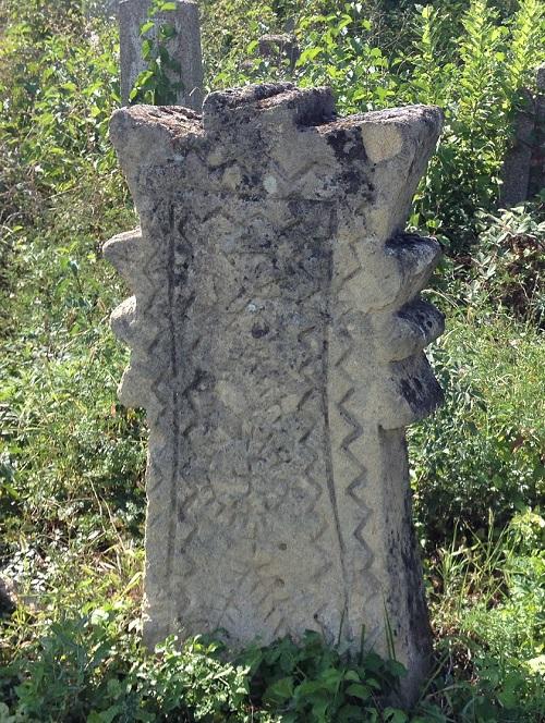 Древний_надгробный_крест